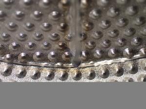 エンボス製品ファイバーレーザー溶接裏波